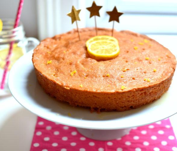 Lemon Drizzle Cake [Cake fondant au citron, recette anglaise]