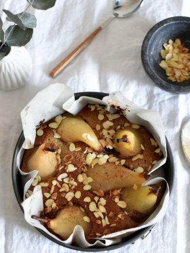 Gâteau moelleux aux poires et noisettes