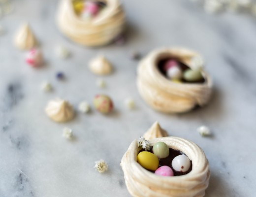 Nids de Pâques au chocolat et carambar
