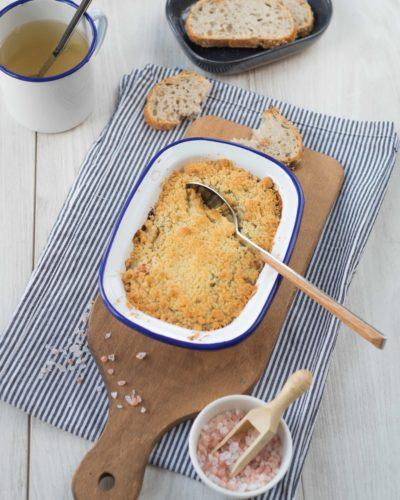 Crumble de poulet et oignon confit
