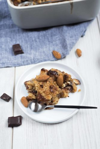 Crumble poires chocolat, amandes croquantes