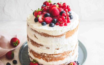 Layer cake citron et fruits rouges